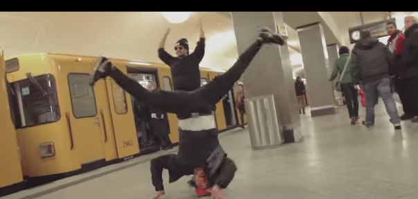 ファレル・ウィリアムス「HAPPY」ドイツ版はダンサーがメインに!